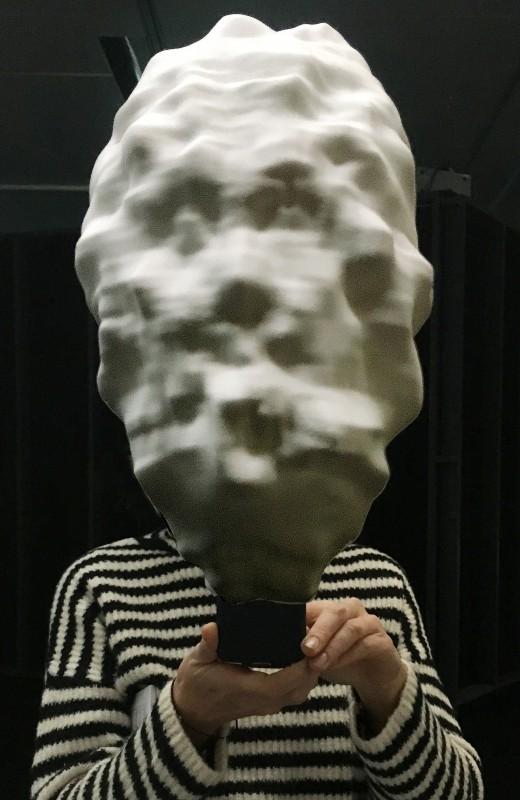"""Ausstellungsbesuch im ZKM Karlsruhe: Sterling-Crispin, """"Data Mask"""""""